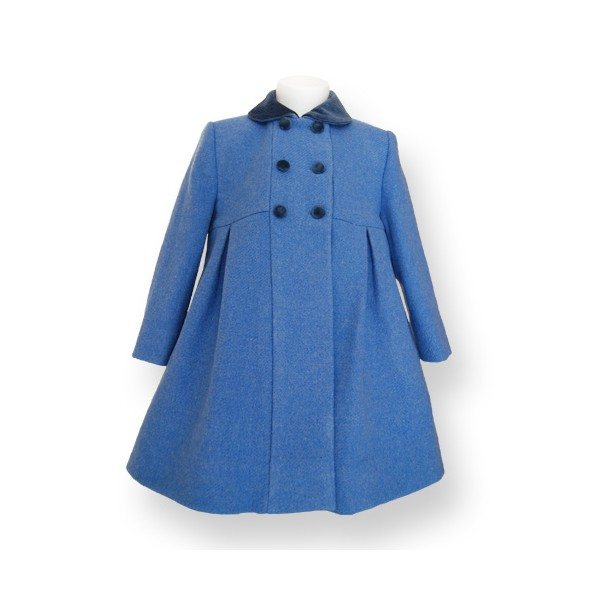 Coats & Jackets Layer up in style this season with our luxury range of coats and jackets for girls. Whether she's looking for a lightweight jacket to protect against the breeze, a cosy wool coat for those cold winter days or a traditional trench to make the ultimate style statement, discover her new favourite in our luxury collection.